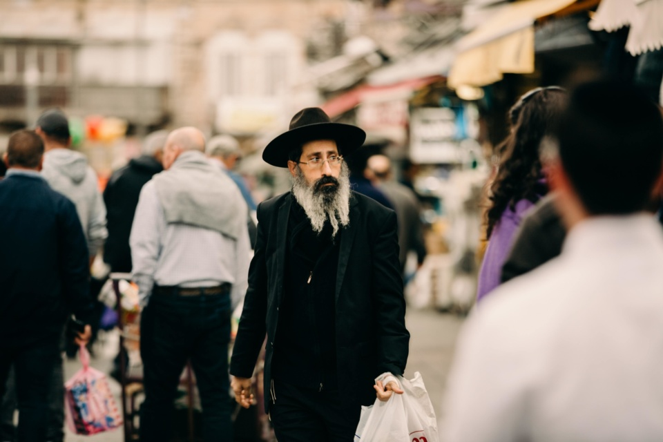 Jewish man laura siegal xz6ov E Zaeb4 unsplash